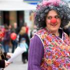2010-05-14_7234_Clowns_in_R