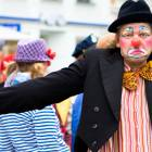 2010-05-14_7240_Clowns_in_R